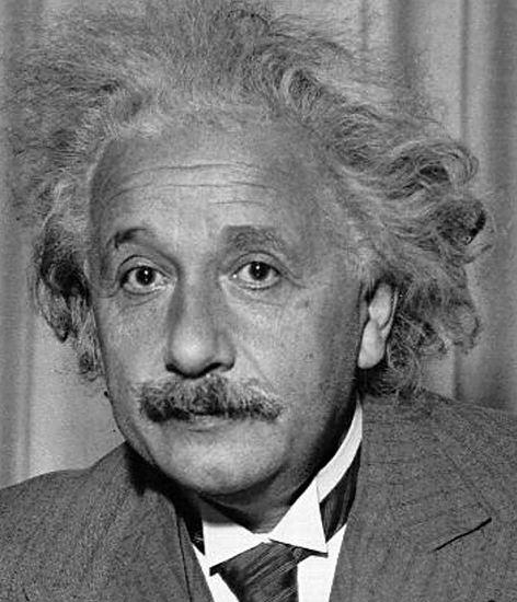 アインシュタイン博士ってどんな人物?脳がふつうの人と違った!